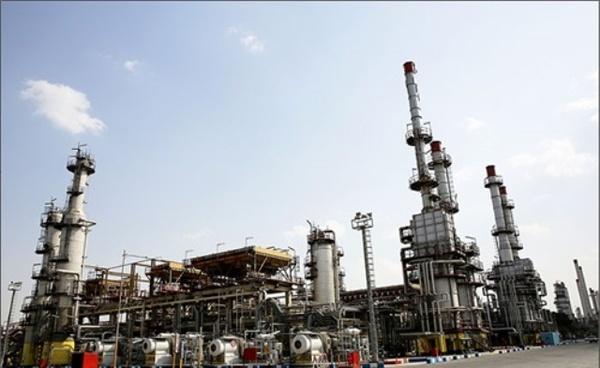 سود اقتصادی آمریکا از تحریم ایران/ادامه همکاری چین و روسیه در سایه تردید/حفظ میزان فروش نفت در صورت باقیماندن اروپا در برجام