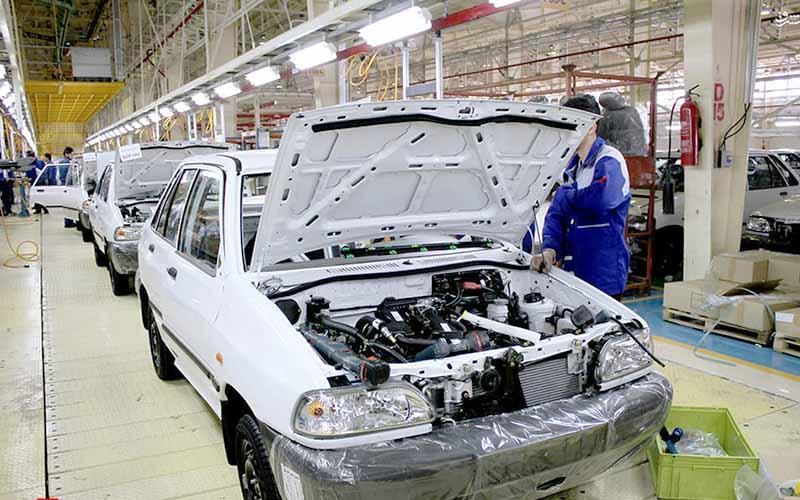 دلالان، قیمت ها را غیرواقعی کرده اند/ پول بنز برای خودروی چینی می دهیم
