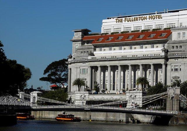 هزینه هتل محل اقامت اون در سنگاپور شبی ۶ هزار دلار است