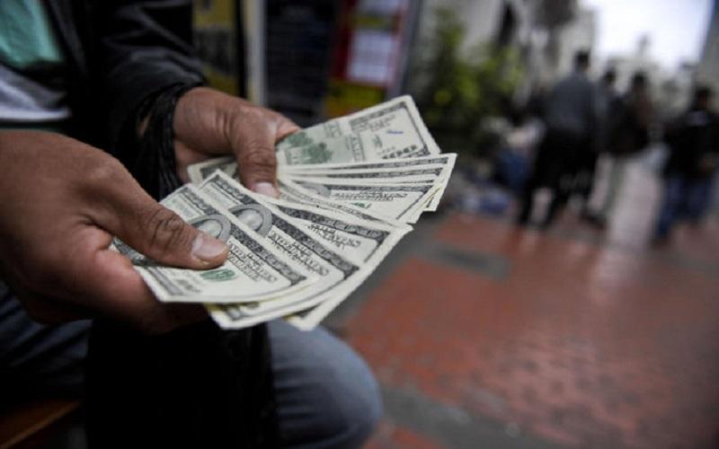 دلار بانکی ۸۰ ریال گران شد