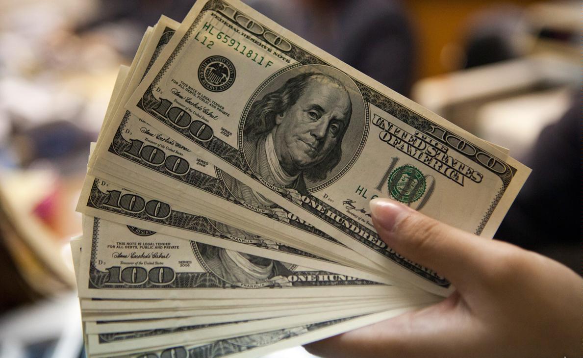 دلار وارد کانال ۴۴ هزار ریالی شد