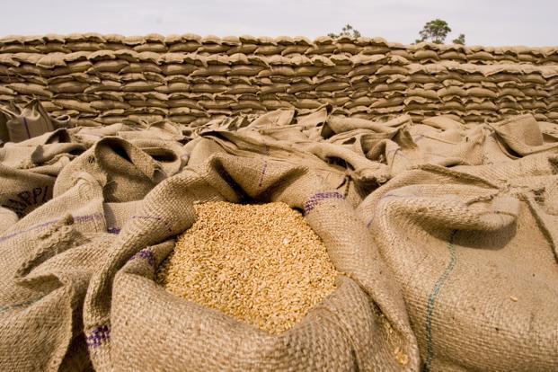 کشف و ضبط ۱۹۰ تن برنج احتکار شده در لرستان