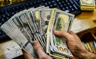 کاهش ۱۳۰۰ تومانی ارزش دلار در بازار ایران